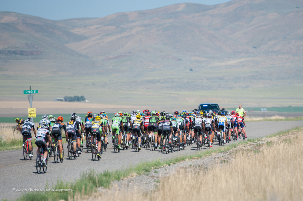 The peloton on course in stage 2 of the 2015 Tour of Utah