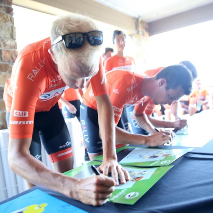 Team Rally signs in. Photo: Catherine Fegan-Kim
