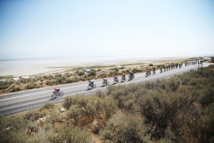 The peloton on Antelope Island, State Park. 2018 Tour of Utah Stage 3, August 8, 2018, Layton, Utah. Photo by Cathy Fegan-Kim, cottonsoxphotography.net