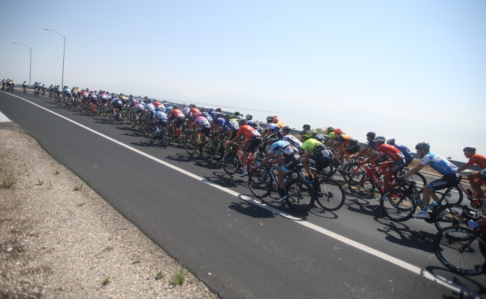On the Antelope Island Causeway. 2018 Tour of Utah Stage 3, August 8, 2018, Layton, Utah. Photo by Cathy Fegan-Kim, cottonsoxphotography.net
