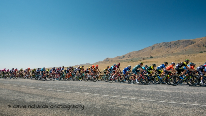 Tightly bunched peloton at the start of Stage 3 Antelope Island to Layton, 2018 LHM Tour of Utah cycling race (Photo by Dave Richards, daverphoto.com)