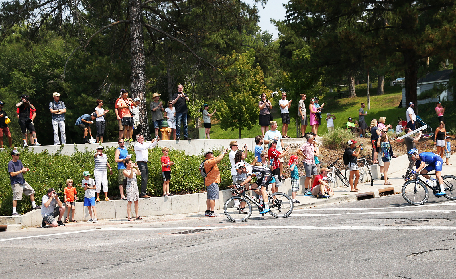 Fans flocked to this corner. 2018 Tour of Utah Stage 4, August 8, 2018, Salt Lake City, Utah. Photo by Cathy Fegan-Kim, cottonsoxphotography.net