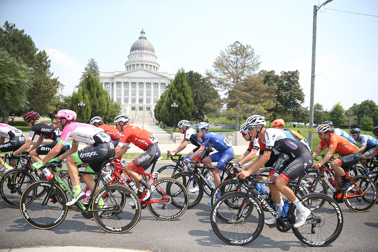 The peloton raced around the Capitol.  2018 Tour of Utah Stage 4, August 8, 2018, Salt Lake City, Utah. Photo by Cathy Fegan-Kim, cottonsoxphotography.net