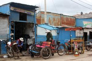 The tricycle repair shop. puru