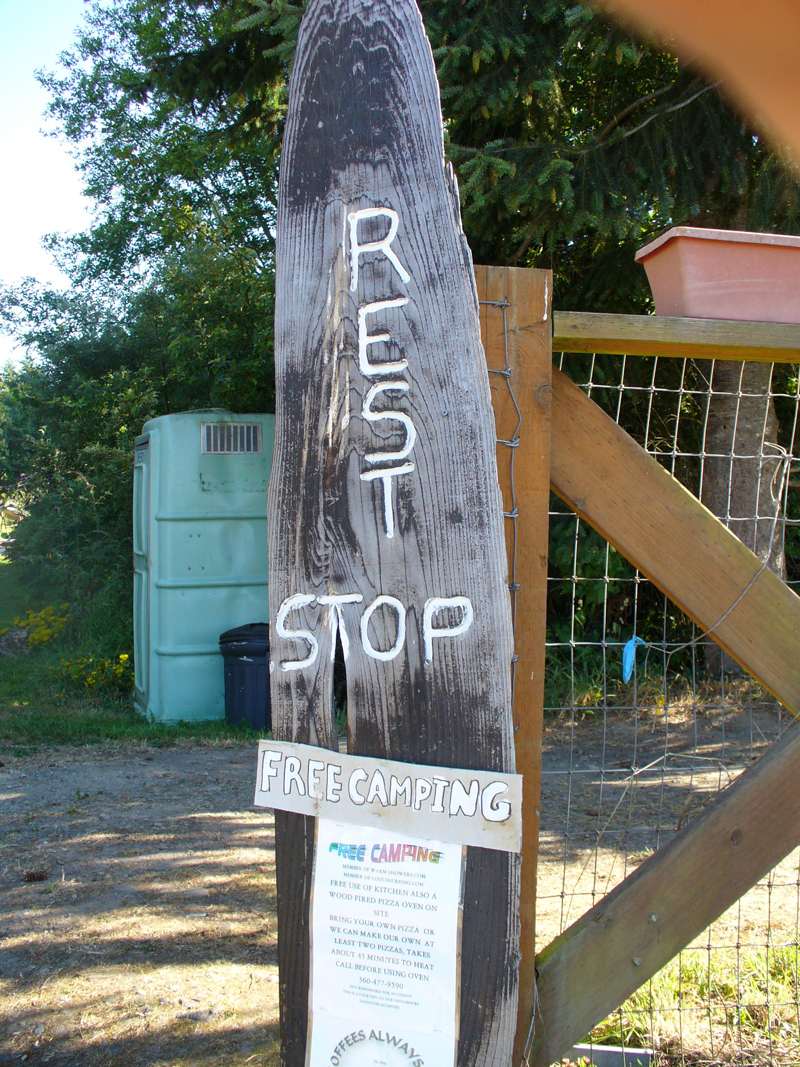 Free camping sign at Lonnie's Rest Stop, east of Port Angeles