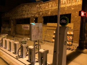 The new Greenbike station at 300 S and 400 E by Cityscape. Photo by Dave Iltis