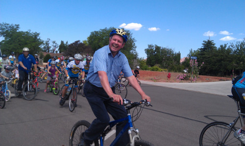 Mayor Hart leading the Ivins community bike ride. Photo: Kai Reed