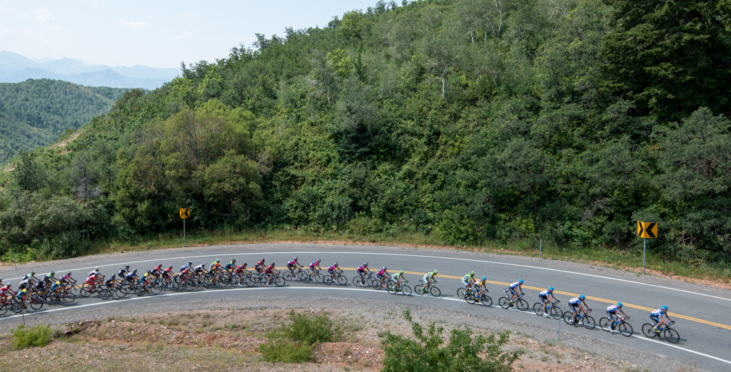 The peloton hits the final switchback on the Big Mountain climb in stage 6 of the 2014 Tour of Utah. Photo by Dave Richards, daverphoto.com