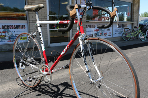 This Vintage 7-11 Team Huffy Serotta is on display at Cottonwood Cyclery.
