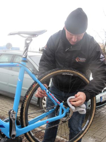 Franky Van Haesbrouke is Jonathan Pages mechanic.