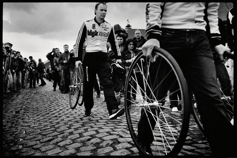 image bike mechanics pave paris roubaix