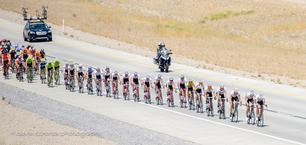 Echelon forming in the wind during Stage 4, 2016 Tour of Utah. Photo by Dave Richards, daverphoto.com