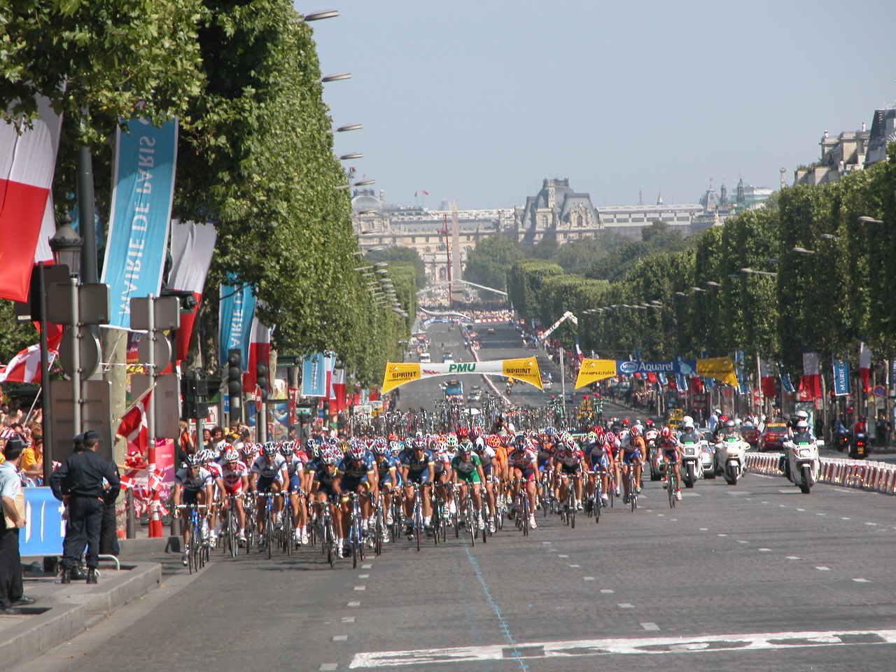 Champs de elysee David Ward 2004 Tour DSCN0035-1