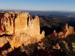 Plateau Precipice. Photo by John Higgins